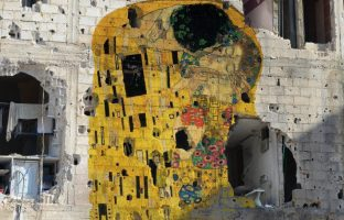 Tammam Azzam recreates Klimt