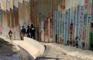 The Frontera Project, The Wall at Playas de Tijuana, Photo: Ramon Verdugo